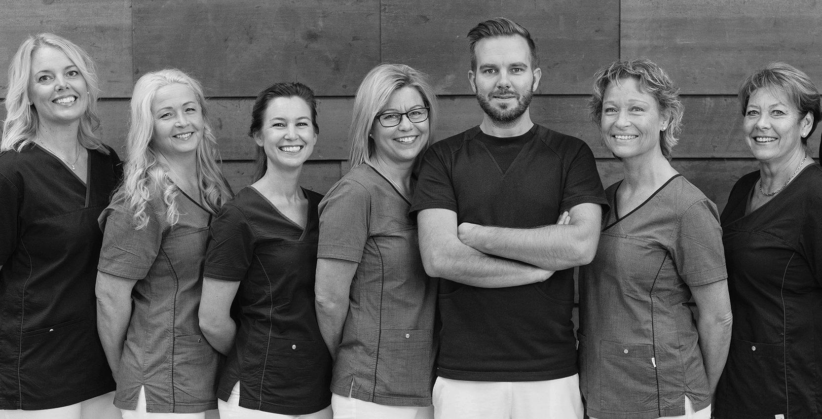 Bild på alla kollegor hos Tandläkarna Holm AB.